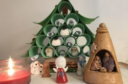 Recycle your paper roll: Make your own Christmas wishing tree